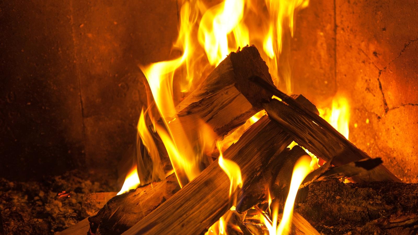 картинки горящие поленья изображения осуществляется